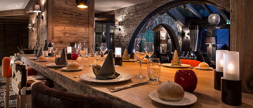 france_espace-killy-ski-area_tignes_village-montana-hotel_dining-room2.jpg